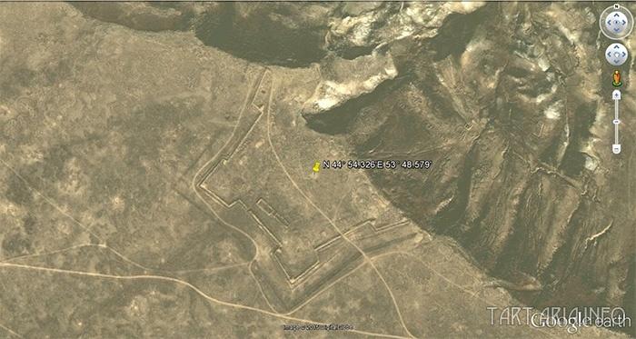 плато Устюрт в Казахстане чудом сохранилась такая крепость
